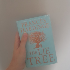 """A Review of """"The Lie Tree"""": the power of alie"""